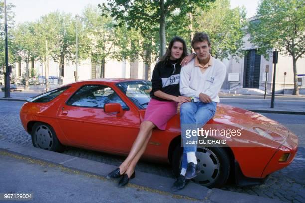 Le joueur de tennis Mats Wilander avec son épouse Sonya le 25 mai 1987 à Paris France