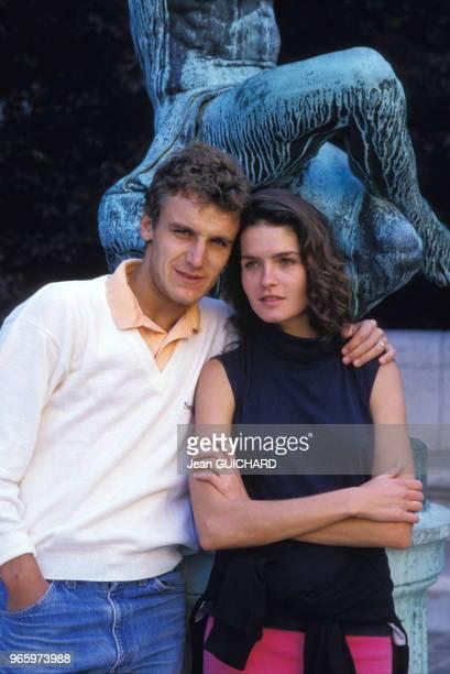 Le joueur de tennis suédois Mats Wilander et son épouse Sonya à Paris le 24 mai 1987 en France