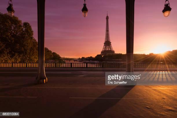 le jour se leve sur Paris