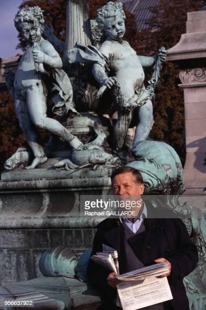 Le journaliste Alain Duhamel en décembre 1993 à Paris France