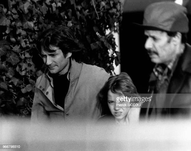 Le journaliste franco-italien Daniel Biasini avec le fils de l'actrice française Romy Schneider David Haubenstock le 21 décembre 1980 à Paris, France.