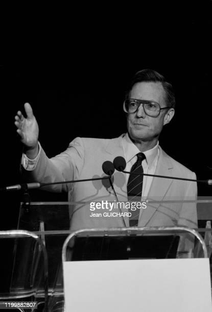 Le journaliste Nicholas Daniloff lors d'un discours pour le 200ème anniversaire de la constitution des Etats-Unis à Orlando en Floride le 3 octobre...
