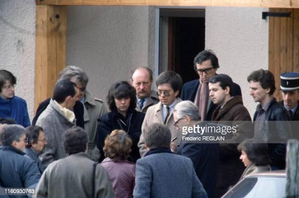 Le juge JeanMichel Lambert Christine et JeanMarie Villemin lors de la reconstitution de l'enlèvement de Grégory Villemin à LépangessurVologne en...