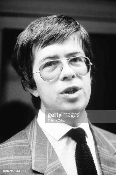 Le juge Lambert dans les rues d'Epinal avant la convocation de Christine Villemin mère du petit Gregory assasiné en 1984