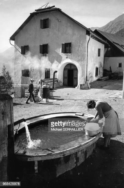 Le lavoir du village de Guarda, dans le canton des Grisons, Suisse.
