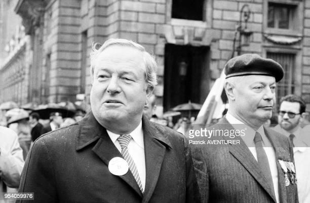 Le leader du Front national JeanMarie Le Pen lors de la fête de Jeanne d'Arc le 8 mai 1982 à Paris France