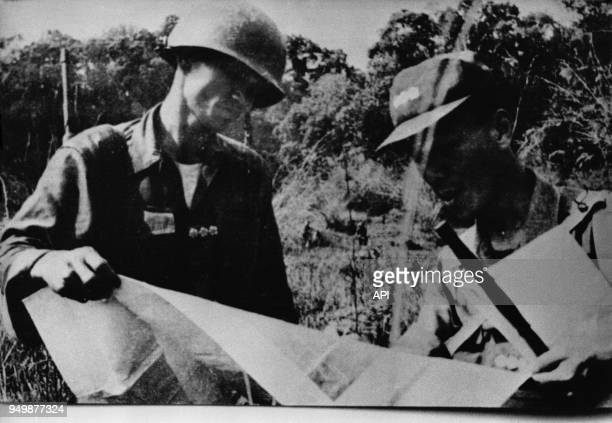 Le lieutenant Nguyen Van Thieu lors d'une opération militaire au SudVietnam circa 1951 Vietnam