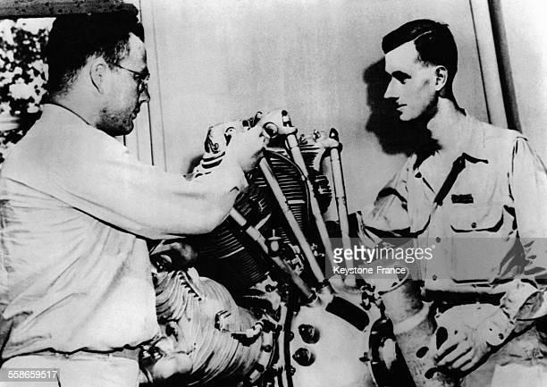 Le lieutenant Philippe de Gaulle en formation intensive en 1944 sur la base militaire aéronavale de Chapel Hill en Caroline du Nord