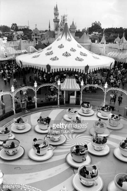 Le manège ?Mad Tea Party? de Disneyland, à Anaheim, en Californie, Etats-Unis.