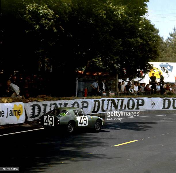 Le Mans 24 Hours 19th June 1966 Paddy Hopkirk/Peter Jopp Sunbeam Alpine retired