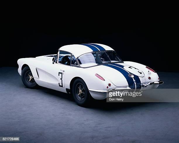 1960 le mans corvette racecar - 1960 corvette stock pictures, royalty-free photos & images