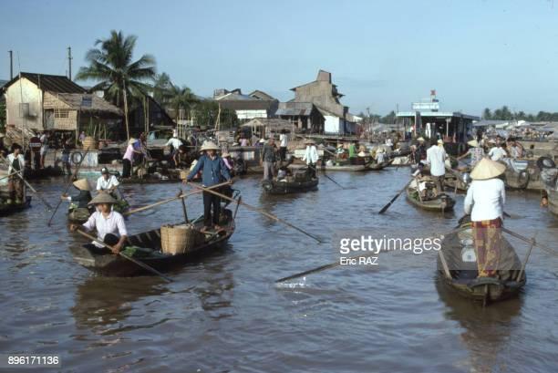 Le marche flottant de Cai Rang en aout 1995 a Can Tho dans le delta du Mekong Viet Nam