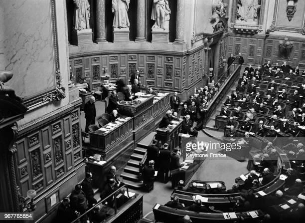 Le ministre d'Etat Joseph PaulBoncour à la tribune du Sénat défendant le pacte francosoviétique à Paris France le 13 mars 1936