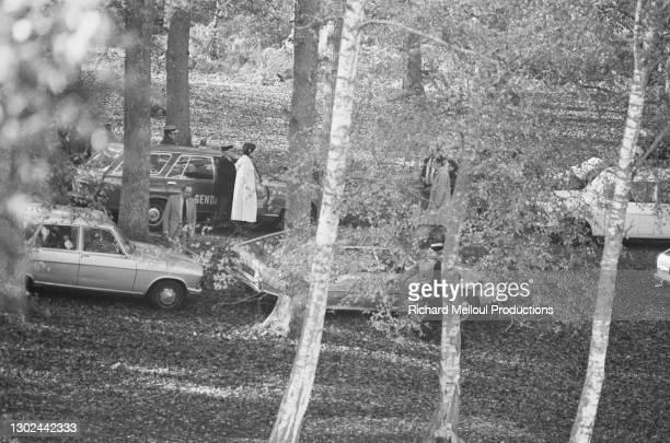 Le Ministre du Travail Robert Boulin est retrouvé mort dans l'étang Rompu de la forêt de Rambouillet.