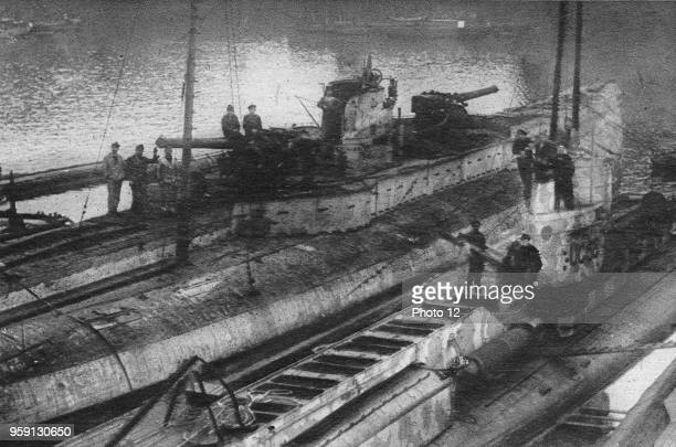 WW1 Le Miroir of the 19th of January 1919 As per the clauses of the 1918 armistice three recent model german submarines were delivered to France and...