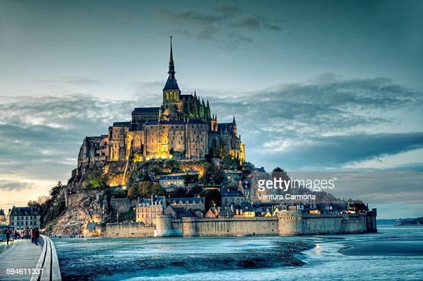 le mont saint michel - モンサンミッシェル ストックフォトと画像