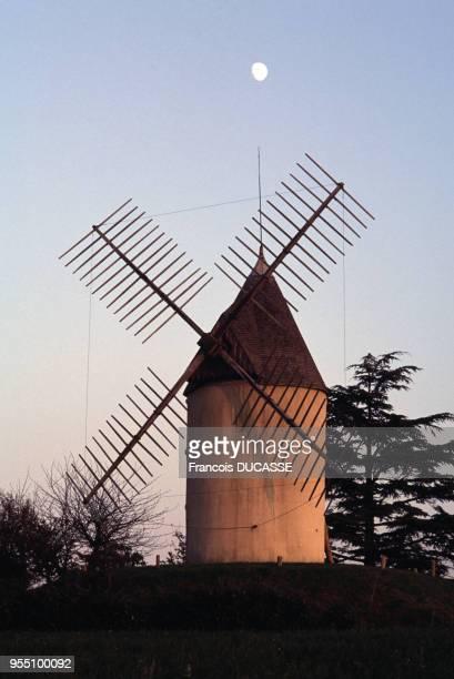 Le moulin de Gibra à Gontaud-de-Nogaret, dans le Lot-et-Garonne, France.