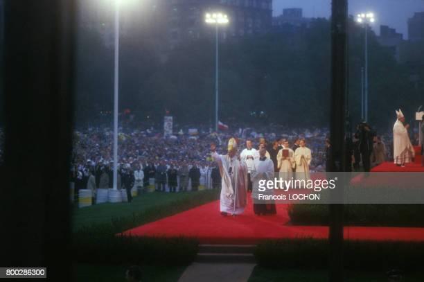 Le Pape JeanPaul II lors d'une messe en septembre 1987 aux ÉtatsUnis