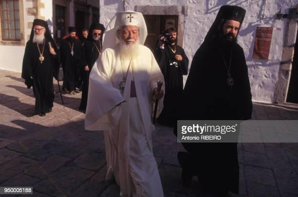 Le Patriarche Teoctist de Roumanie en compagnie du Patriarche Bartholomée 1er visite l'église orthodoxe grecque en septembre 1995 à Patmos en Grèce