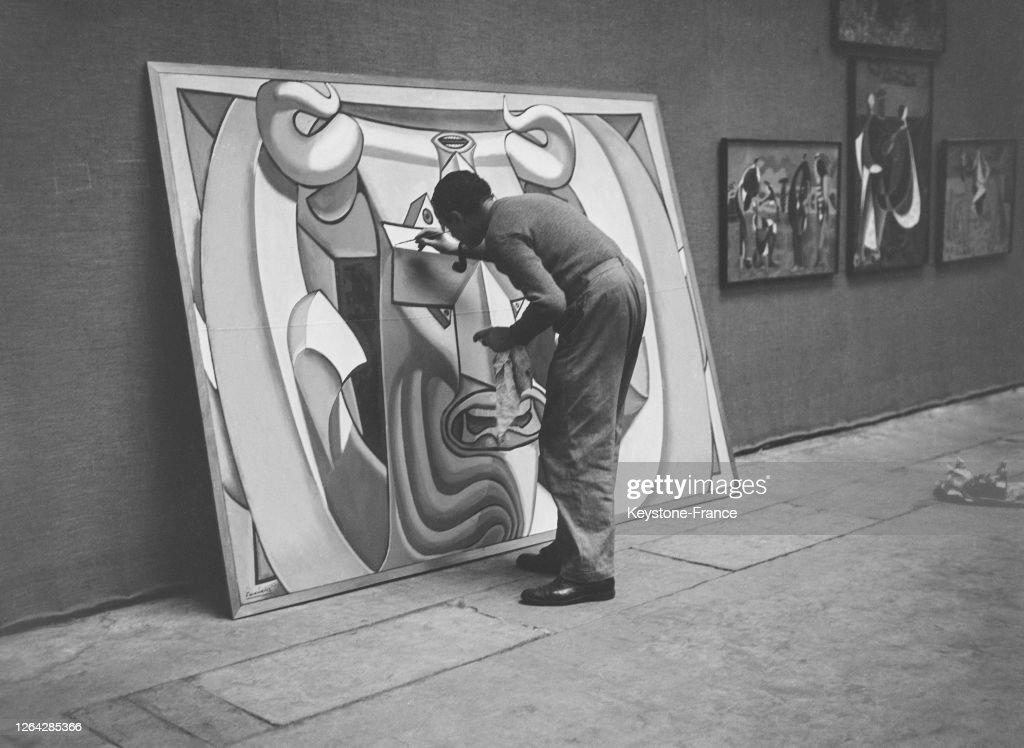 Le Peintre Espagnol Luis Fernandez Terminant Son Tableau Tete De News Photo Getty Images