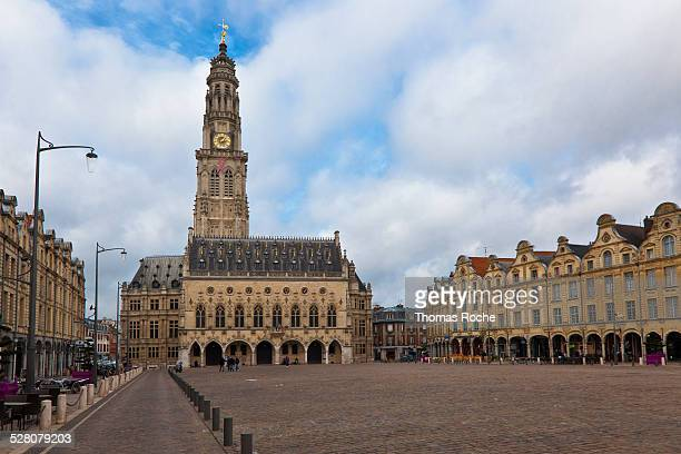 le petit place known as hero's square in arras - アラス ストックフォトと画像