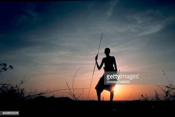 Le peuple Samburu est l'ethnie la plus nordique du Kenya parler le Masa Ce peuple est issu d'une branche drive des Masa dont la sparation remonte...