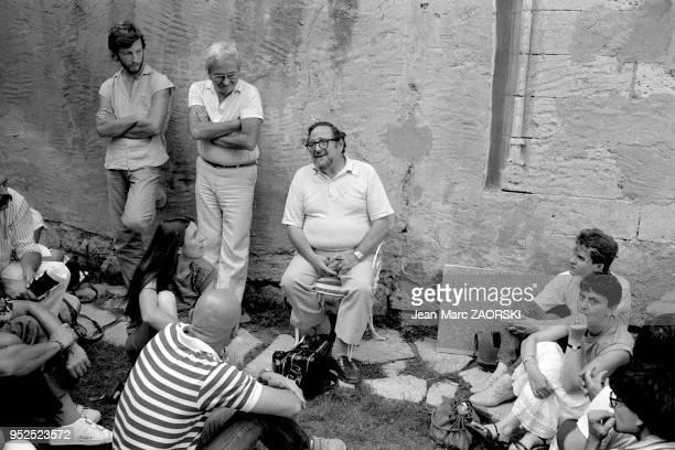 Le photographe américain Arnold Newman pionnier du portrait environnemental d'homme politique ou d'artiste lors des rencontres internationales de la...