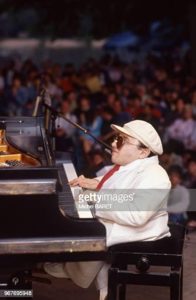 Le pianiste français Michel Petrucciani sur scène à Sannois, le 19 juin 1988, dans le Val-d'Oise, France.