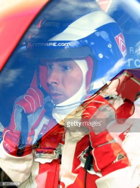le pilote anglais Colin McRae se prépare à bord de sa Citroën Xsara le 23 janvier 2003 à Sospel pour les essais du Rallye de MonteCarlo épreuve...