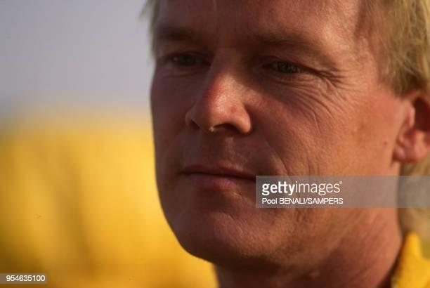 Le pilote automobile Ari Vatanen en janvier 1991 à Gao Mali