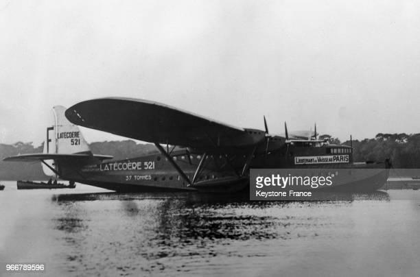 Le plus grand hydravion français 'LieutenantdeVaisseauParis' en essai de vol le 26 janvier 1935 Biscarosse France