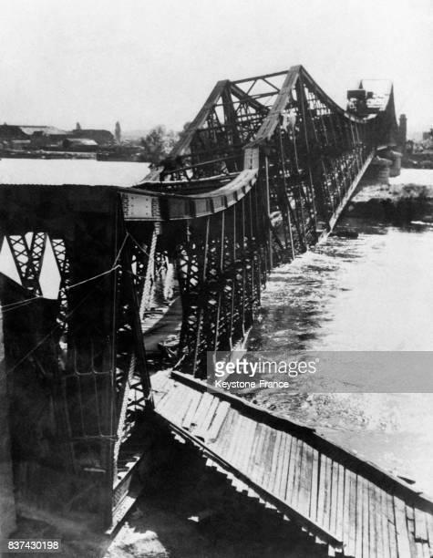Le pont de Rouen après le bombardement américain à Rouen France en 1944