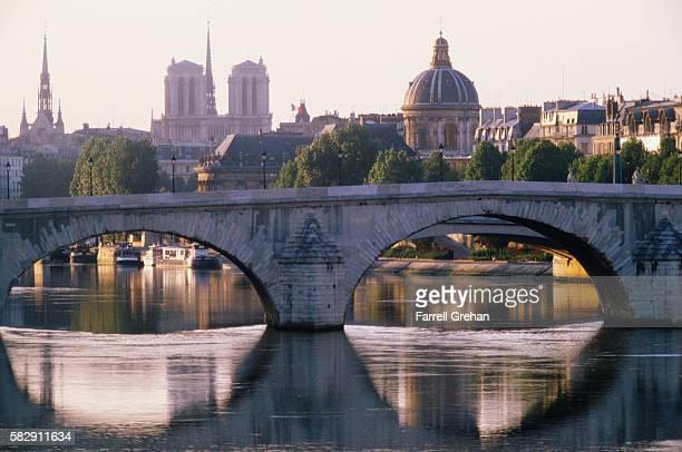 Le Pont du Caroussel