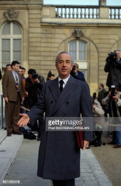 Le premier ministre Edouard Balladur assiste au premier conseil des ministres de son gouvernement le 2 avril 1993 a Paris France