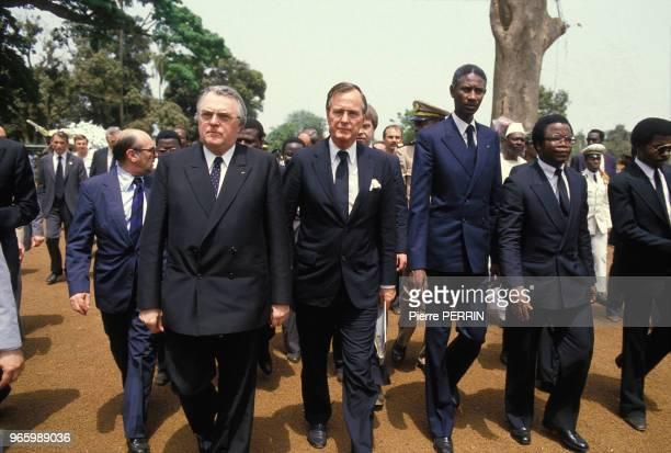 Le Premier ministre français Pierre Mauroy le viceprésident américain George Bush et Abdou Diouf président du Sénégal aux obsèques du présient...