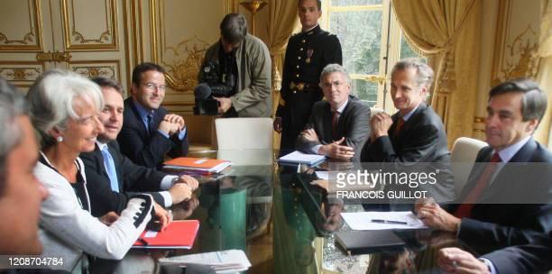 Le Premier ministre François Fillon préside, le 19 septembre 2007 à l'Hôtel Matignon à Paris, une réunion avec les ministres en charge des réformes...