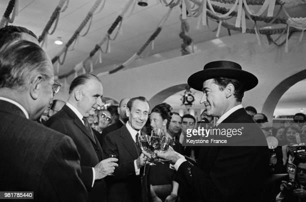 Le premier ministre Georges Pompidou à la Foire de Paris à Paris en France le 20 mai 1967