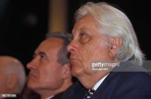 Le premier président de la Cour de cassation Pierre Truche et le maire de Paris Jean Tiberi lors d'une cérémonie le 13 novembre 1998 France