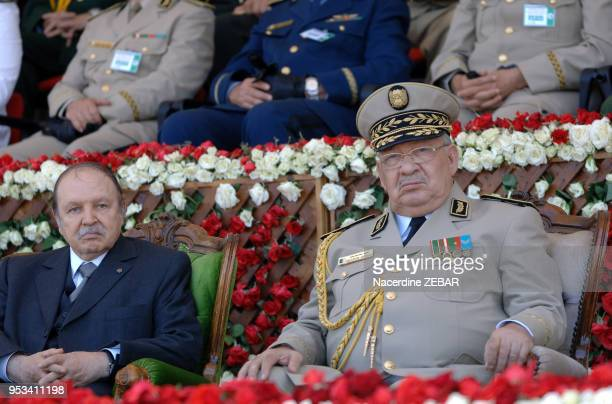 Le president algerien Abdelaziz Bouteflika et le general Ahmed Gaid Salah chef d'etat major de l'armee algerienne assiste aux commemorations de la...