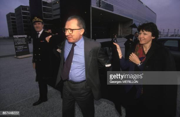 Le president de la Commission europeenne Jacques Delors et la ministre du Travail Martine Aubry arrive a la ceremonie commemorant le centieme...