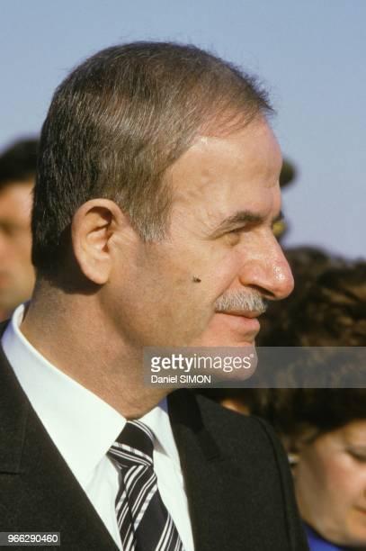 Le president syrien Hafez El Assad pendant la visite de Francois Mitterrand le 27 novembre 1984 en Syrie.