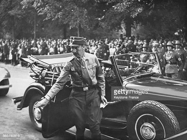Le prince AugusteGuillaume de Prusse arrivant à l'opéra Kroll pour une réunion du Reichstag à Berlin Allemagne le 13 juillet 1934