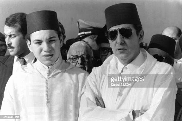 Le prince héritier Sidi Mohamed au côté du frère du roi le prince Moulay Abdallah assistent aux obsèques du conseiller du roi le général Dlimi décédé...