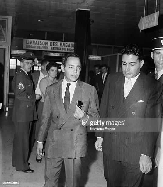 Le Prince Moulay Hassan, héritier du trône du Maroc, à l'aéroport d'Orly, France, le 6 octobre 1959.