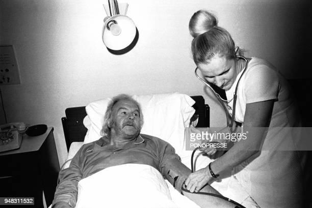 Le producteur Johnny Stark hospitalisé en novembre 1973 à Montréal Canada