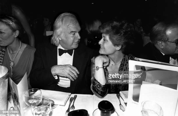 Le producteur Johnny Stark participe à la soirée de gala en faveur des enfants handicapés le 1er juillet 1981 Paris France