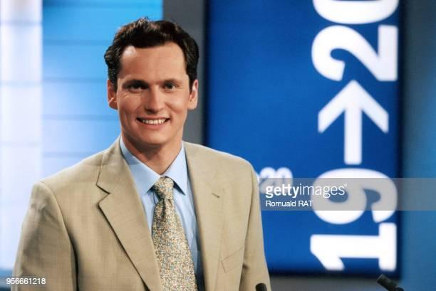 Le présentateur de télévision Louis Laforge en mai 2000 à Paris France