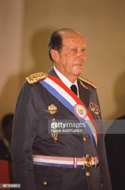 Le président Alfredo Stroessner en uniforme militaire à Asucion Paraguay le 15 mai 1986