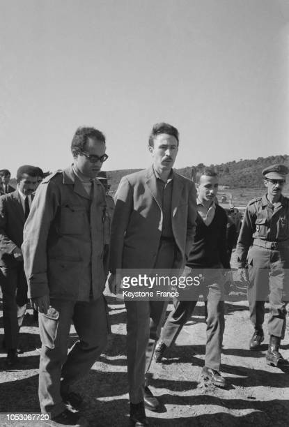 Le président algérien Boumédiene inaugure les séances de reboisement dans la commune de Rivet en Algérie le 1er février 1967
