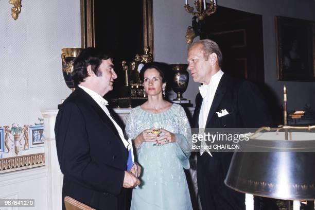 Le président américain Gerald Ford et Pierre Salinger avec AnneAymone Giscard d'Estaing lors e la visite du président français le 17 mai 1976 à...